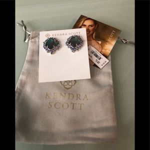 Kendra Scott Abelia stud earrings new with tags